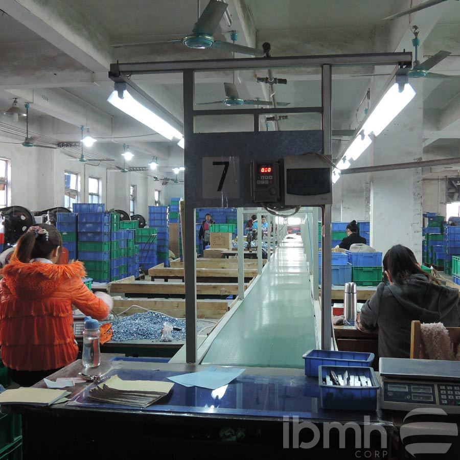 Product Line managed by IBMH | Sliding Light Wood Door Roller