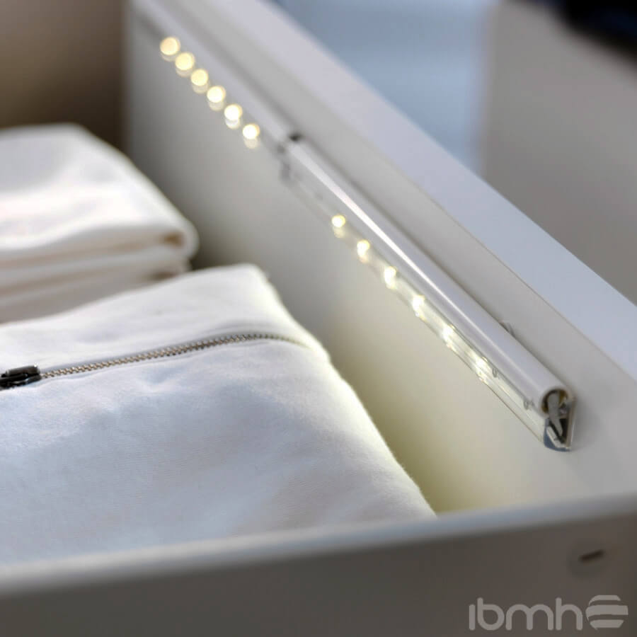 Iluminaci n led con altas prestaciones for Luz bajo mueble cocina