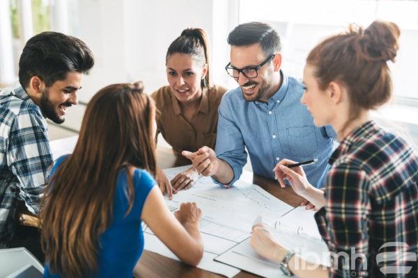 Creéis que la comunicación interna en las empresas importadoras de herrajes puede mejorar la productividad?